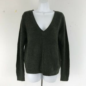 Abercrombie & Fitch Green V Neck Pullover Sweater